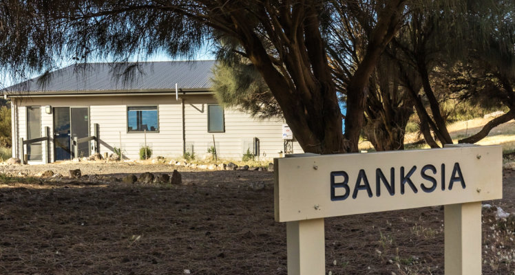 Banksia-Sign-post